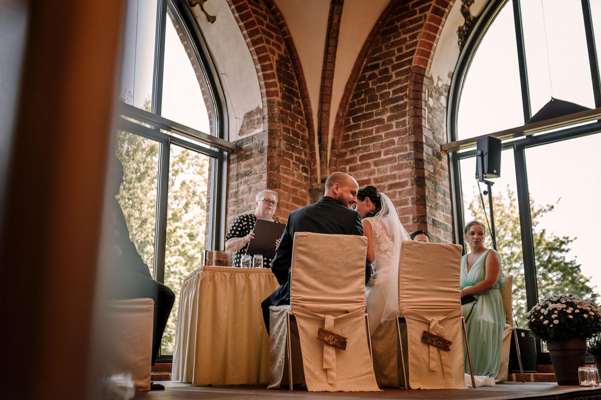 Hochzeitsfieber by Photo-Schomburg, Hochzeitsfotograf, Hamburg,Hochzeitstag, Hochzeitspaar, Braut, Bräutigam, Literaturhauscafe Zarrentin-25