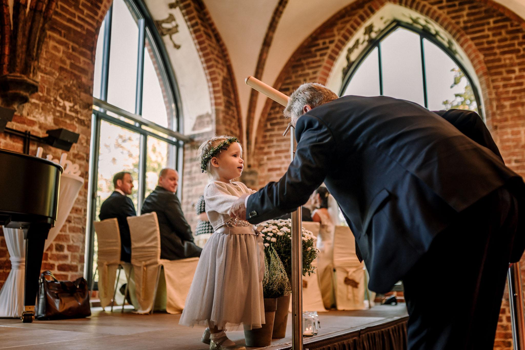Hochzeitsfieber by Photo-Schomburg, Hochzeitsfotograf, Hamburg,Hochzeitstag, Hochzeitspaar, Braut, Bräutigam, Literaturhauscafe Zarrentin-28