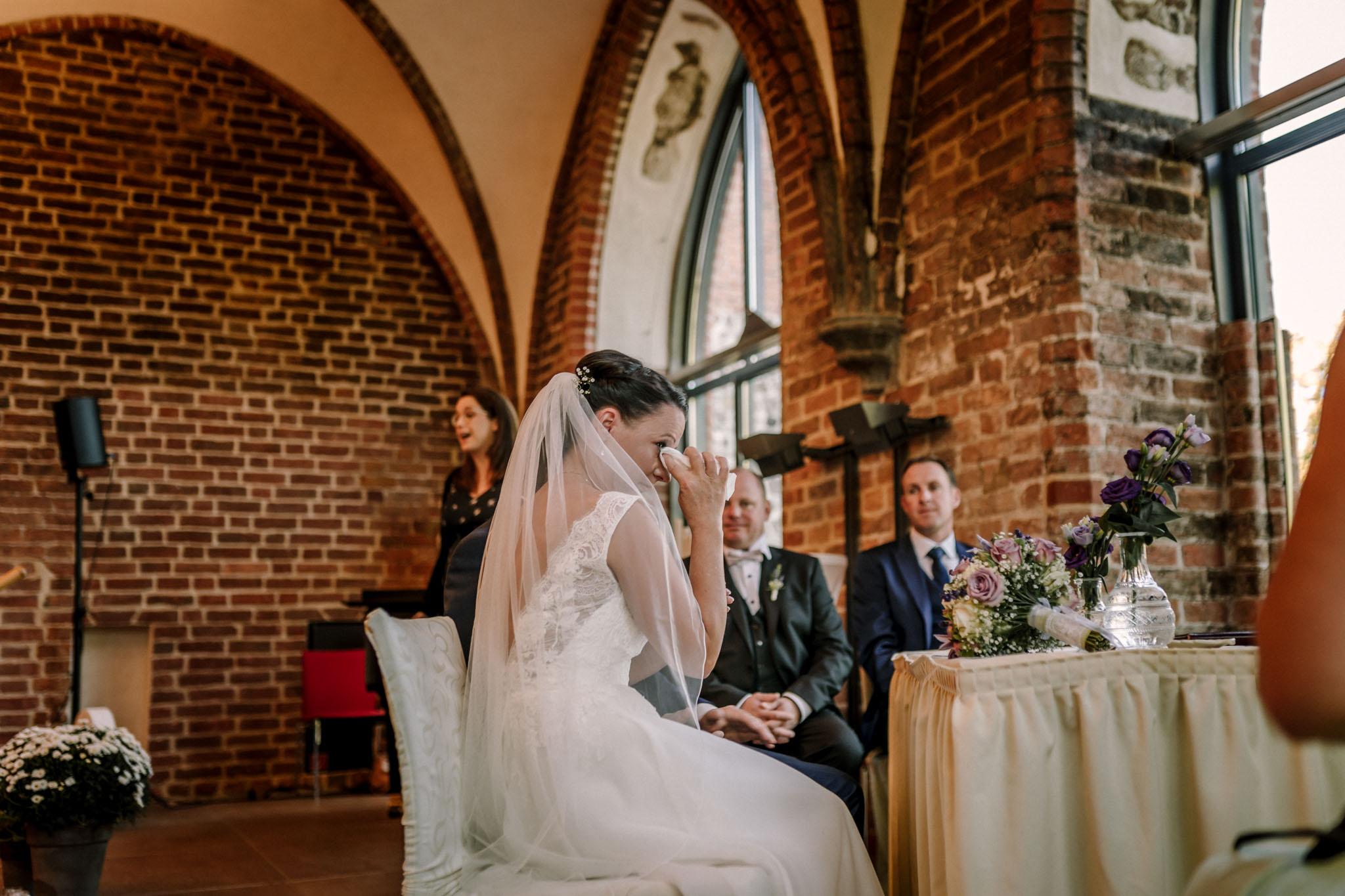 Hochzeitsfieber by Photo-Schomburg, Hochzeitsfotograf, Hamburg,Hochzeitstag, Hochzeitspaar, Braut, Bräutigam, Literaturhauscafe Zarrentin-29