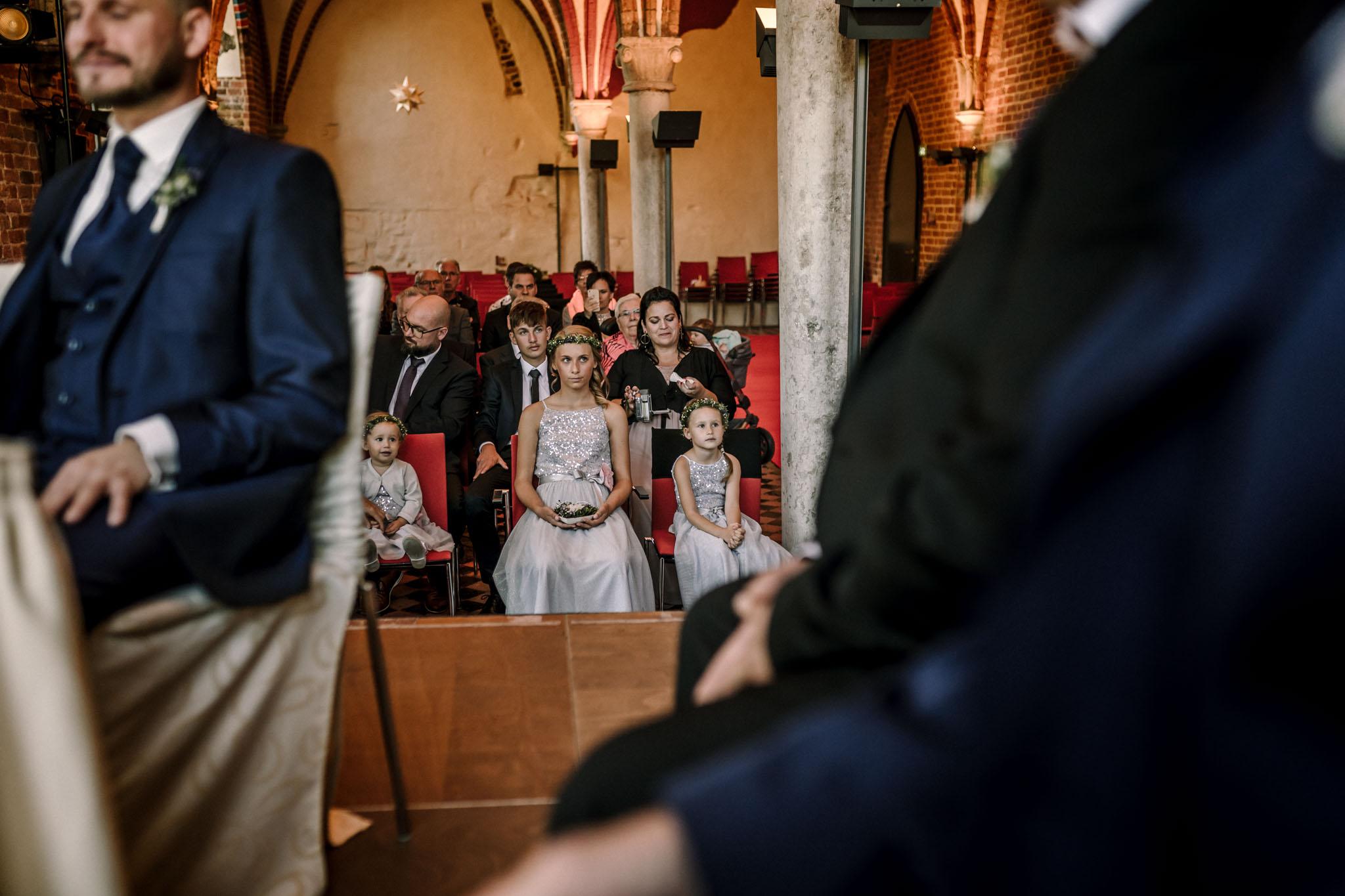 Hochzeitsfieber by Photo-Schomburg, Hochzeitsfotograf, Hamburg,Hochzeitstag, Hochzeitspaar, Braut, Bräutigam, Literaturhauscafe Zarrentin-38