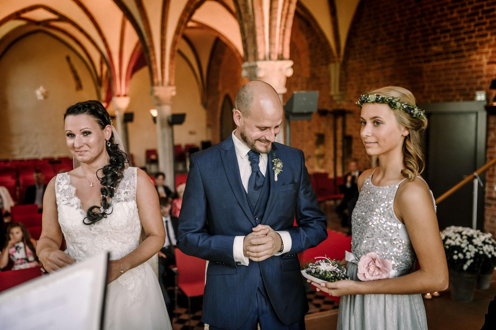 Hochzeitsfieber by Photo-Schomburg, Hochzeitsfotograf, Hamburg,Hochzeitstag, Hochzeitspaar, Braut, Bräutigam, Literaturhauscafe Zarrentin-40
