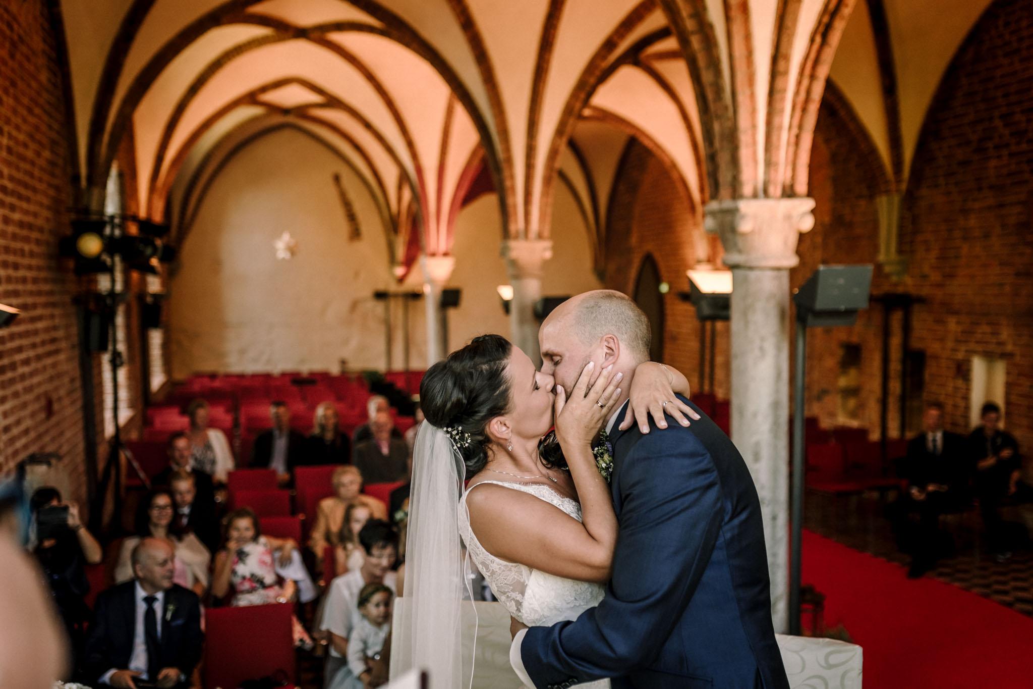Hochzeitsfieber by Photo-Schomburg, Hochzeitsfotograf, Hamburg,Hochzeitstag, Hochzeitspaar, Braut, Bräutigam, Literaturhauscafe Zarrentin-44