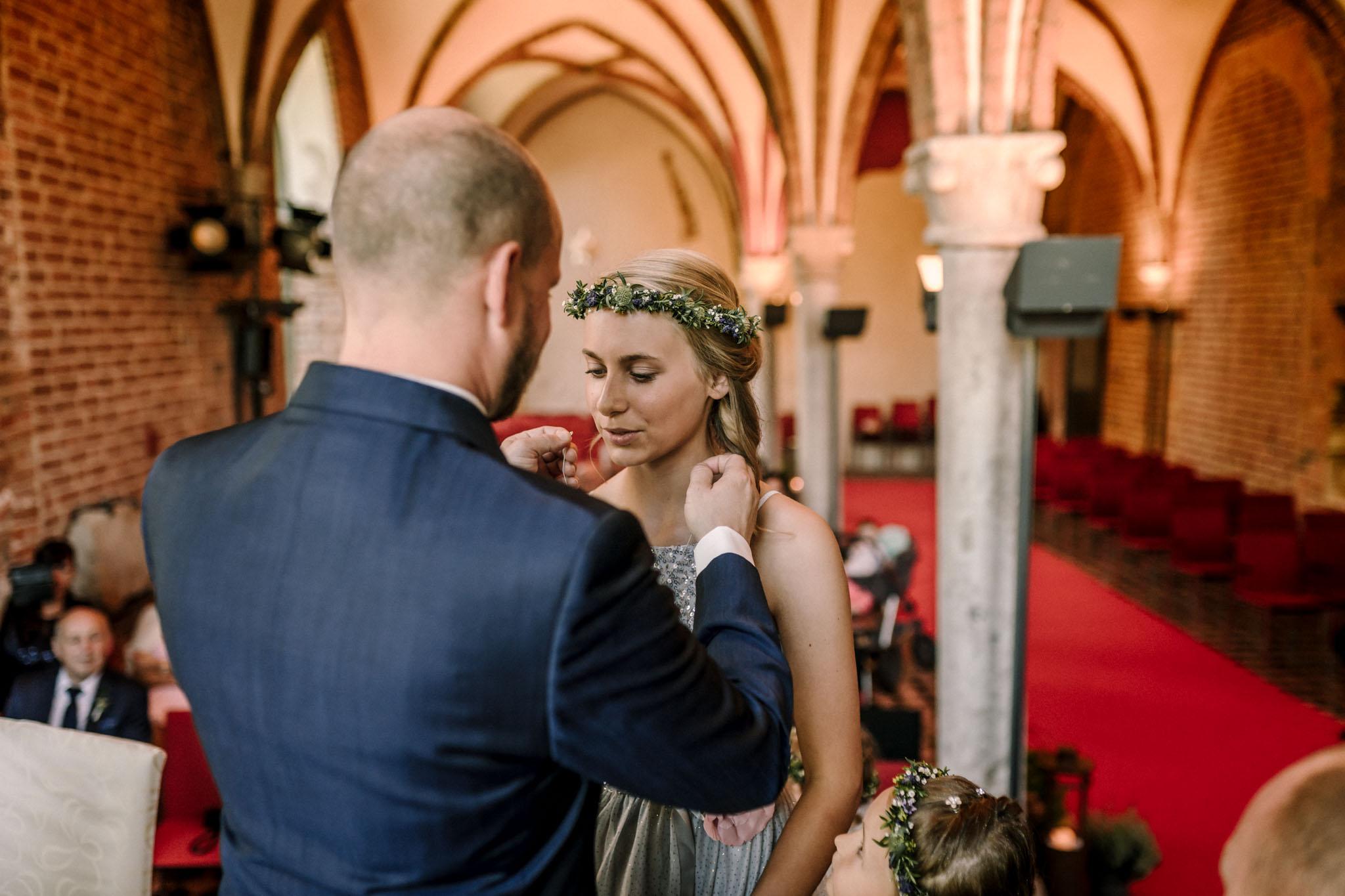 Hochzeitsfieber by Photo-Schomburg, Hochzeitsfotograf, Hamburg,Hochzeitstag, Hochzeitspaar, Braut, Bräutigam, Literaturhauscafe Zarrentin-45
