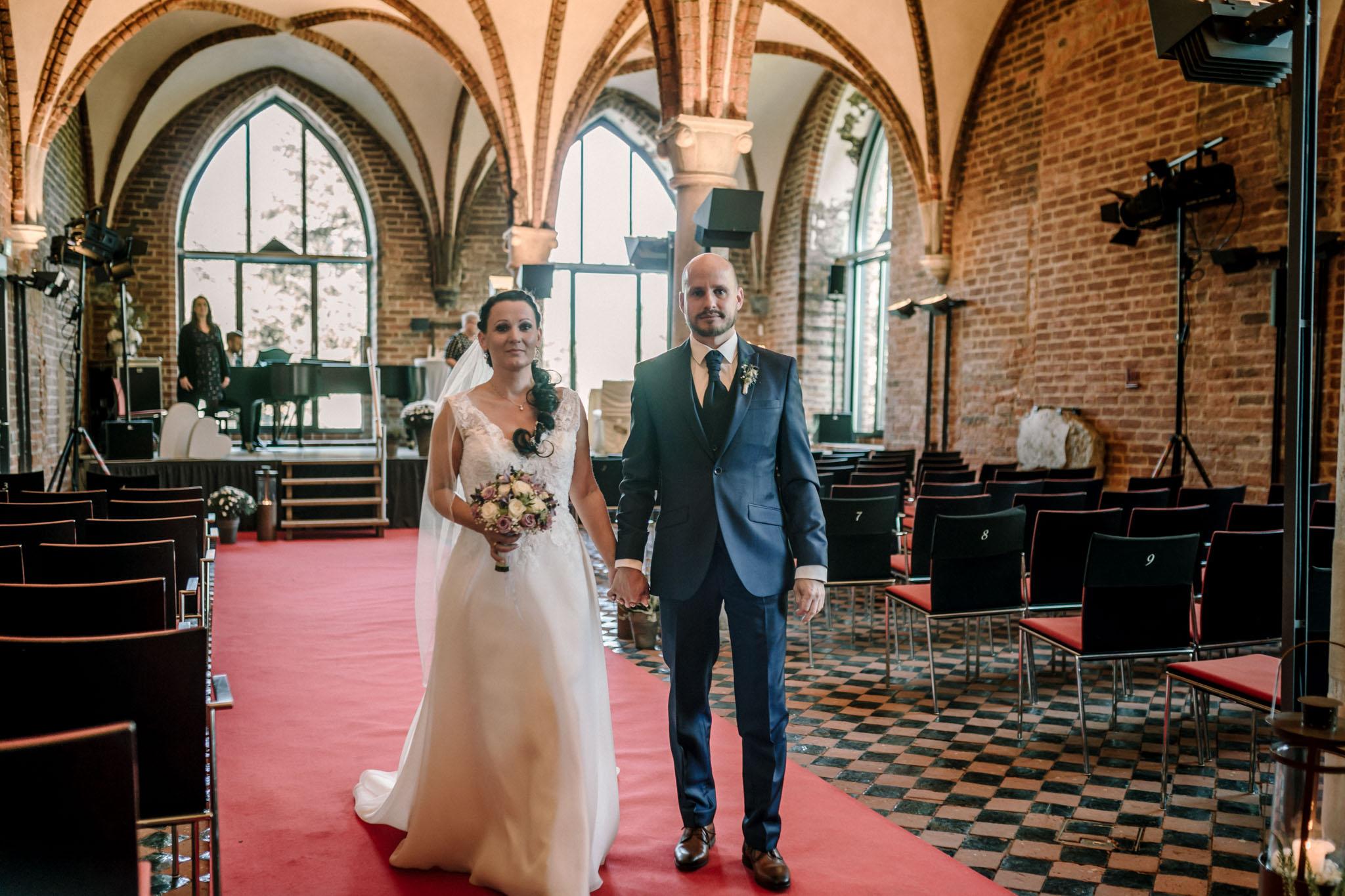 Hochzeitsfieber by Photo-Schomburg, Hochzeitsfotograf, Hamburg,Hochzeitstag, Hochzeitspaar, Braut, Bräutigam, Literaturhauscafe Zarrentin-50