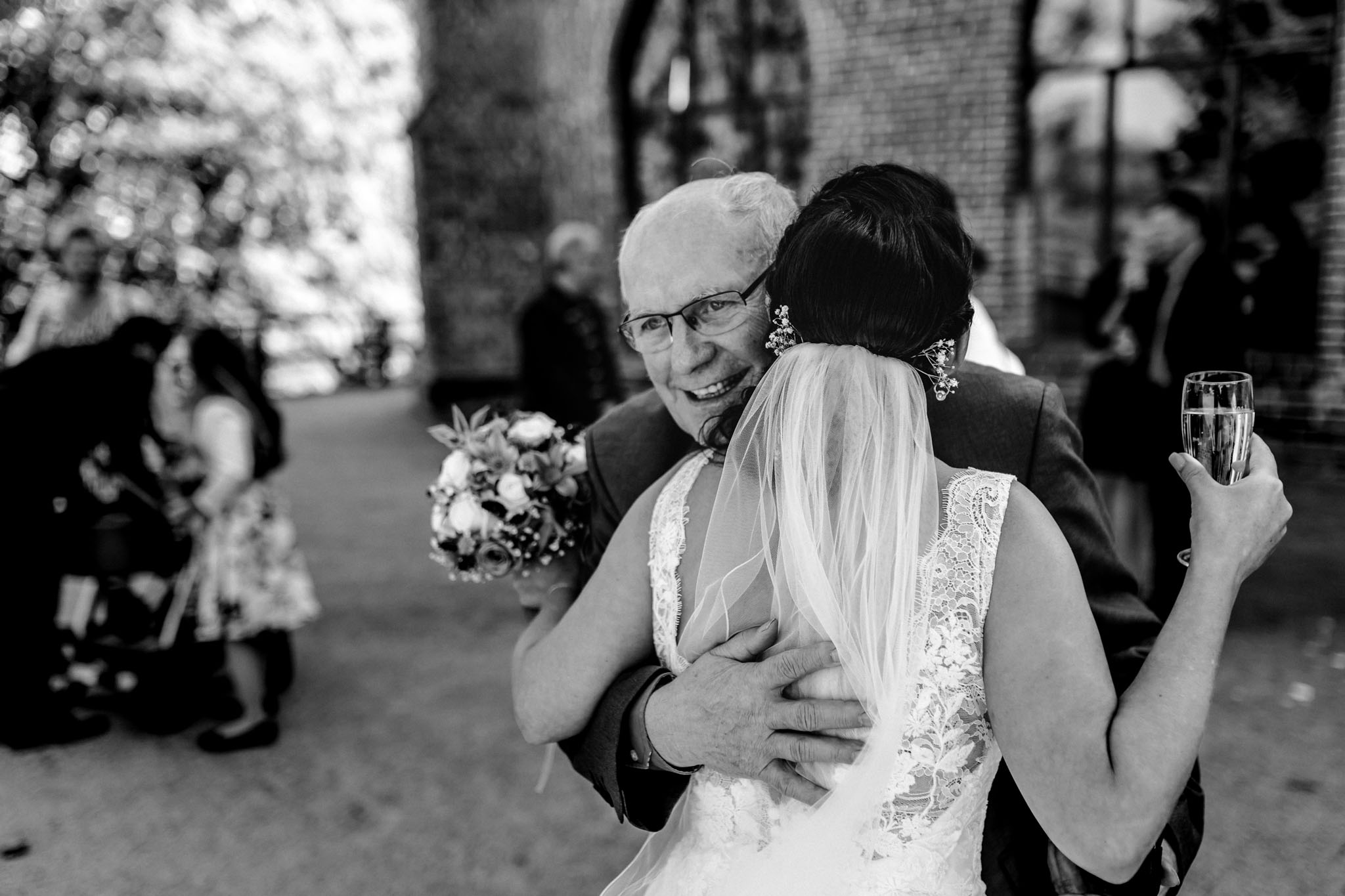 Hochzeitsfieber by Photo-Schomburg, Hochzeitsfotograf, Hamburg,Hochzeitstag, Hochzeitspaar, Braut, Bräutigam, Literaturhauscafe Zarrentin-56