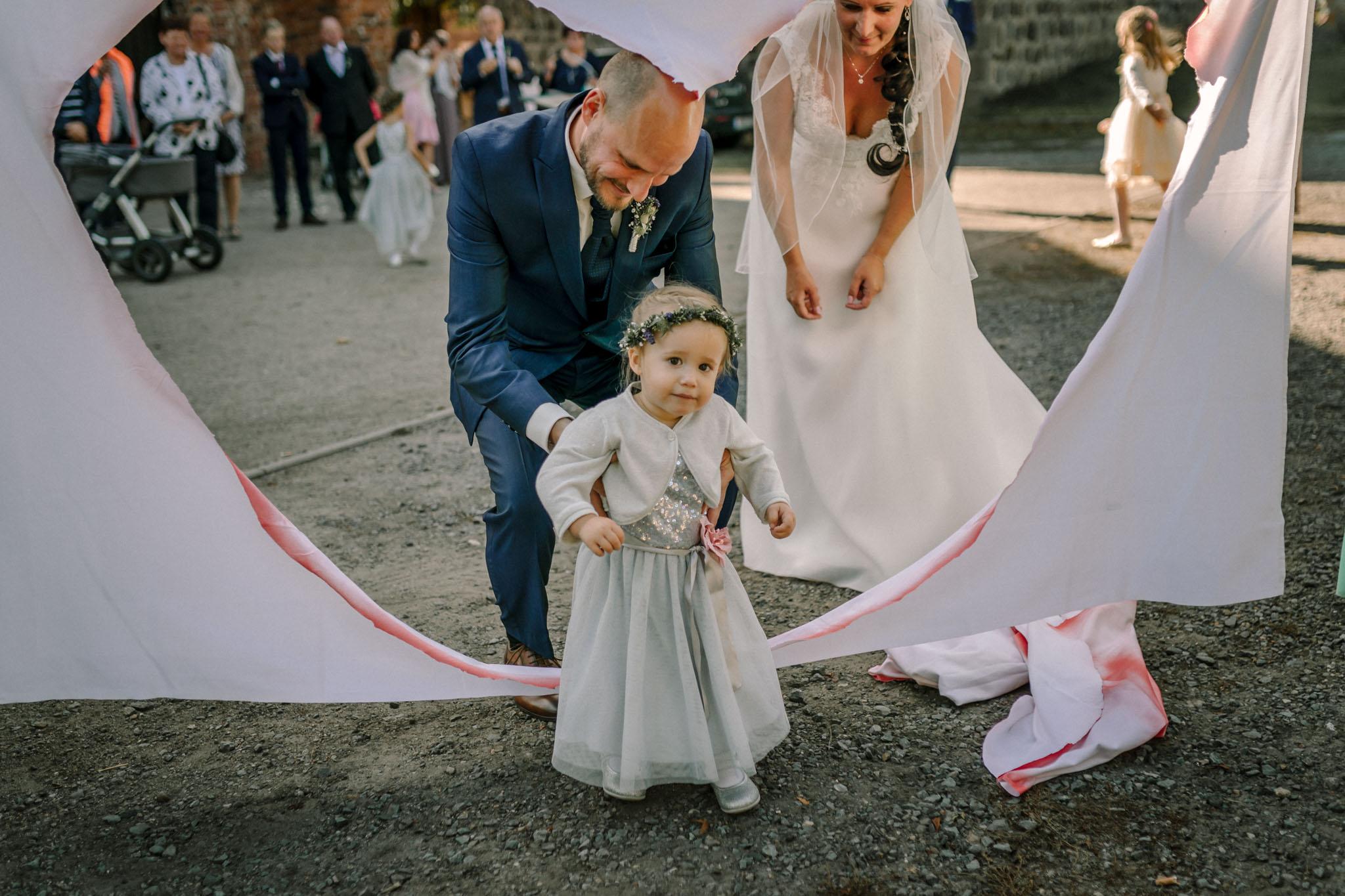 Hochzeitsfieber by Photo-Schomburg, Hochzeitsfotograf, Hamburg,Hochzeitstag, Hochzeitspaar, Braut, Bräutigam, Literaturhauscafe Zarrentin-63