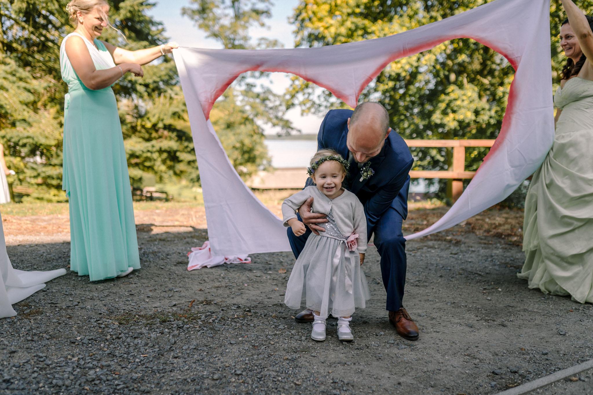 Hochzeitsfieber by Photo-Schomburg, Hochzeitsfotograf, Hamburg,Hochzeitstag, Hochzeitspaar, Braut, Bräutigam, Literaturhauscafe Zarrentin-65