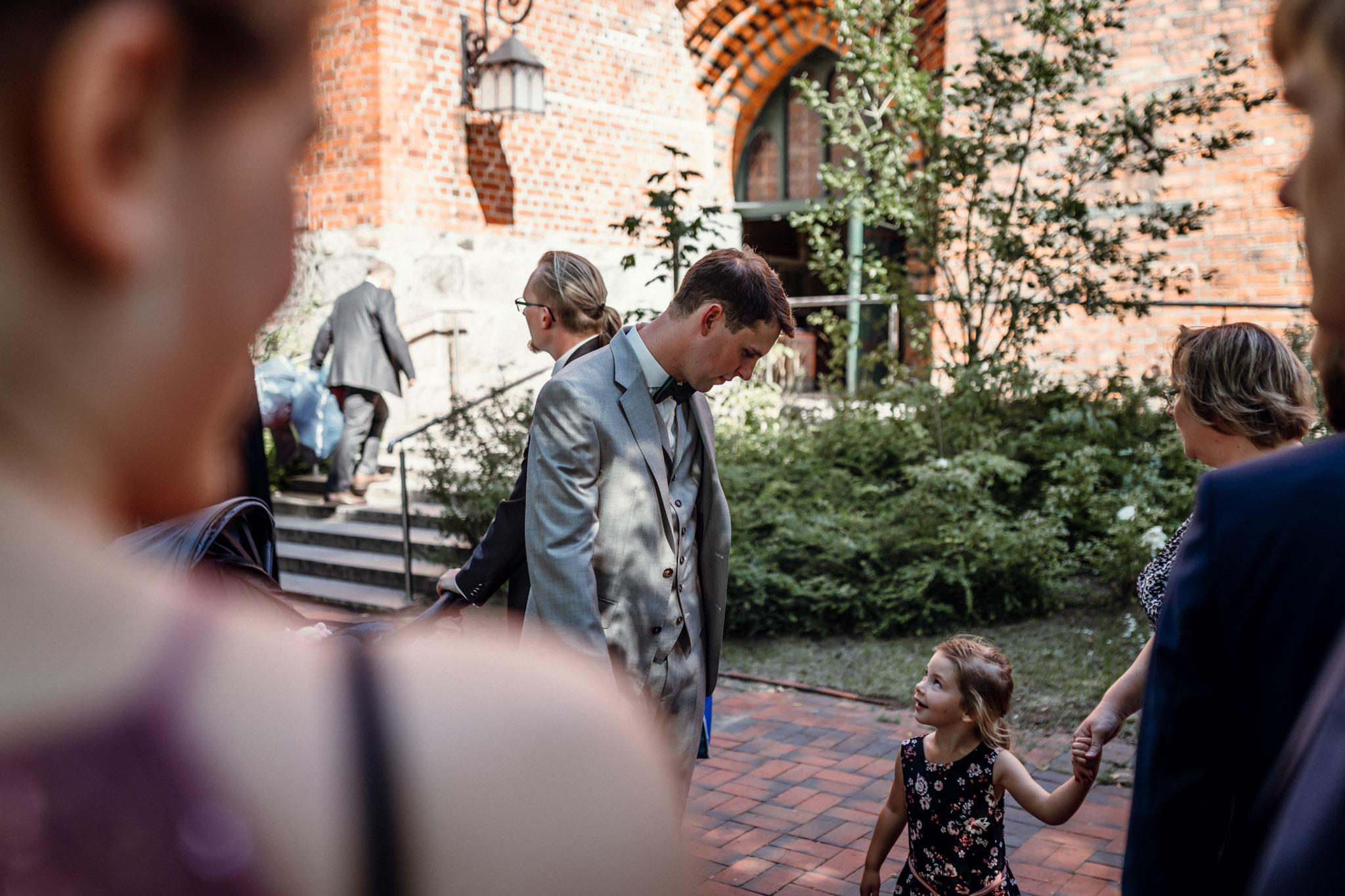 Sven Schomburg Hochzeitsfotografie, Hamburg, Mölln, Hochzeitsfieber by Photo-Schomburg, Hochzeitsreportage, Forsthaus Waldhusen, Braut, Bräutigam-13