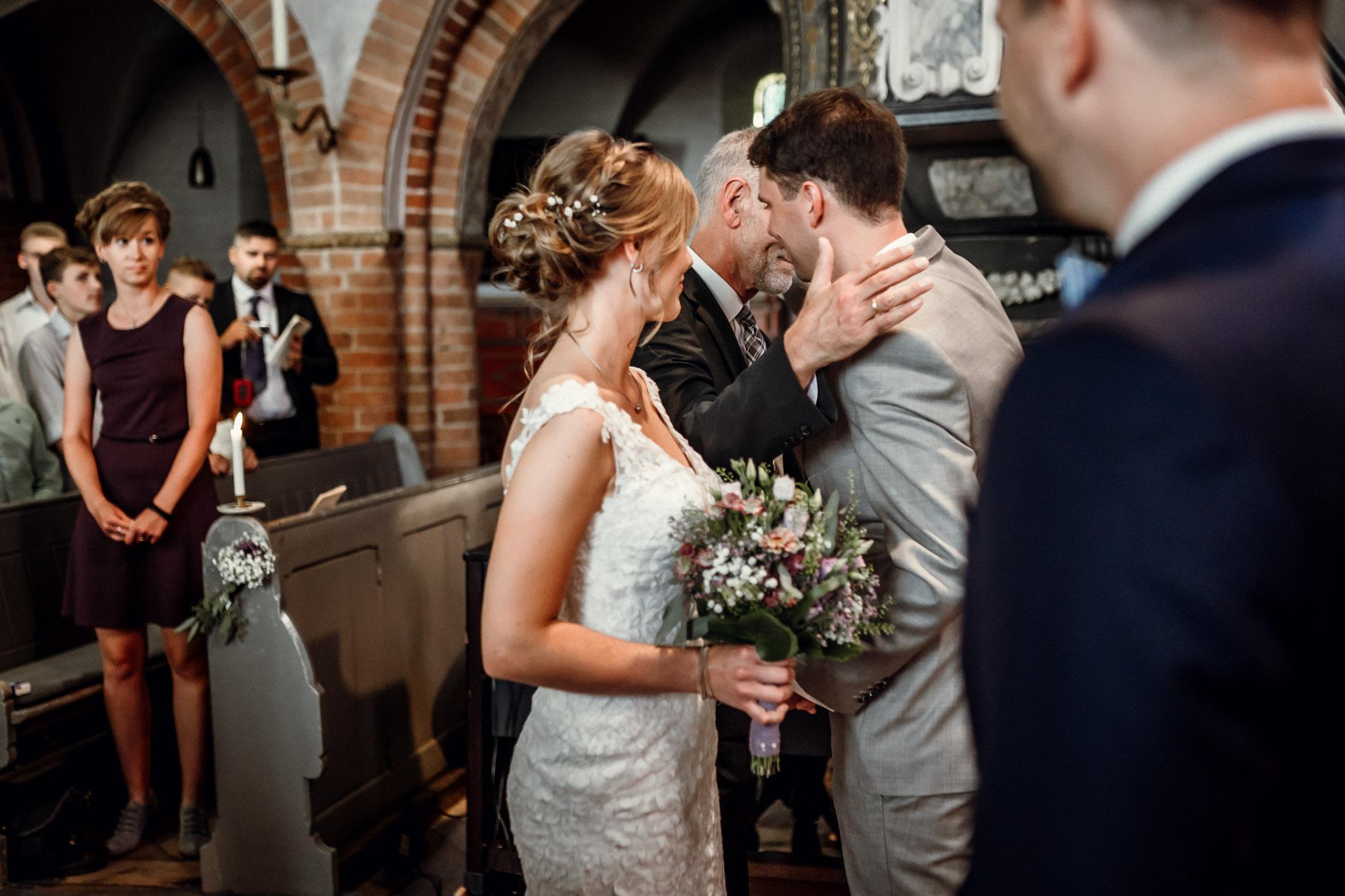 Sven Schomburg Hochzeitsfotografie, Hamburg, Mölln, Hochzeitsfieber by Photo-Schomburg, Hochzeitsreportage, Forsthaus Waldhusen, Braut, Bräutigam-27