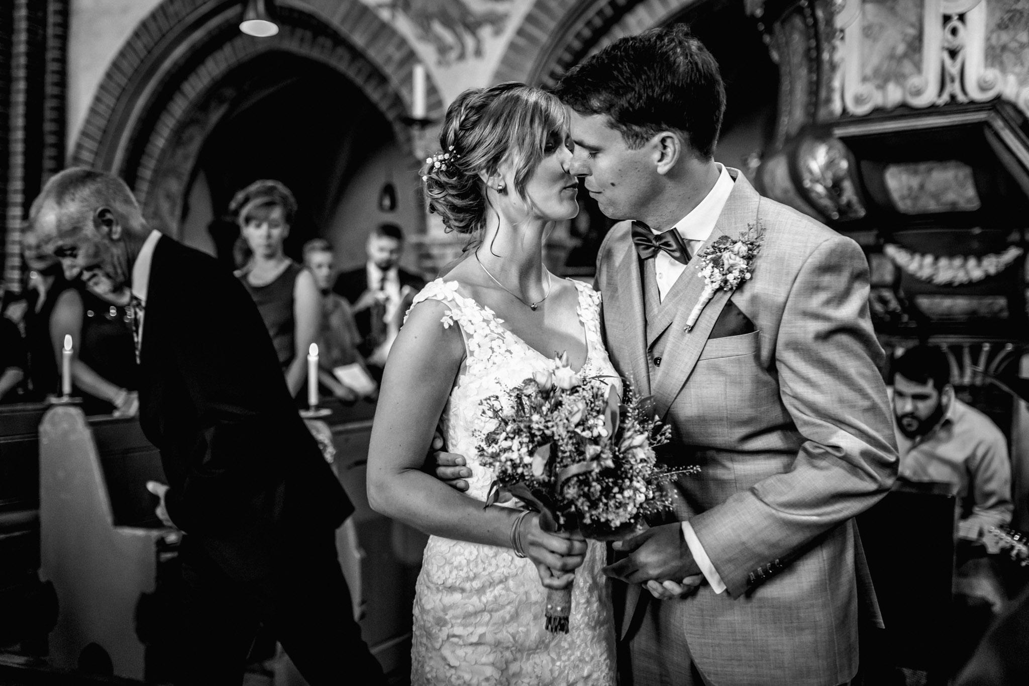 Sven Schomburg Hochzeitsfotografie, Hamburg, Mölln, Hochzeitsfieber by Photo-Schomburg, Hochzeitsreportage, Forsthaus Waldhusen, Braut, Bräutigam-28