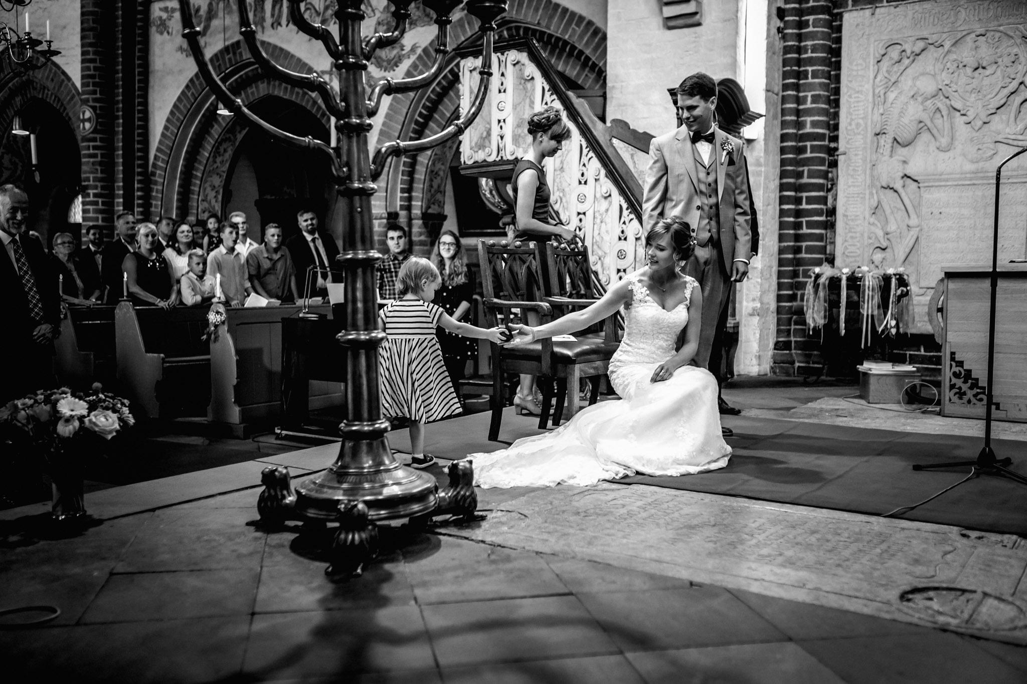 Sven Schomburg Hochzeitsfotografie, Hamburg, Mölln, Hochzeitsfieber by Photo-Schomburg, Hochzeitsreportage, Forsthaus Waldhusen, Braut, Bräutigam-37