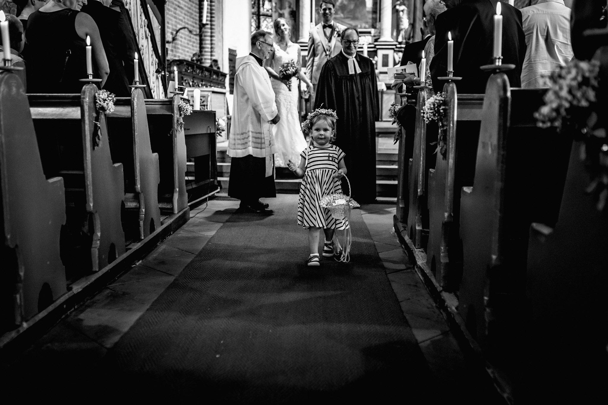 Sven Schomburg Hochzeitsfotografie, Hamburg, Mölln, Hochzeitsfieber by Photo-Schomburg, Hochzeitsreportage, Forsthaus Waldhusen, Braut, Bräutigam-43