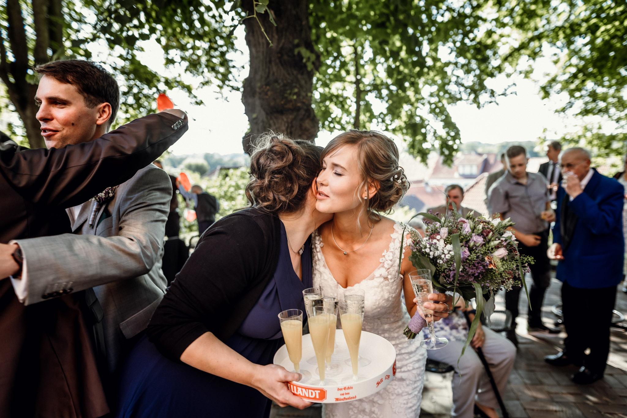 Sven Schomburg Hochzeitsfotografie, Hamburg, Mölln, Hochzeitsfieber by Photo-Schomburg, Hochzeitsreportage, Forsthaus Waldhusen, Braut, Bräutigam-50