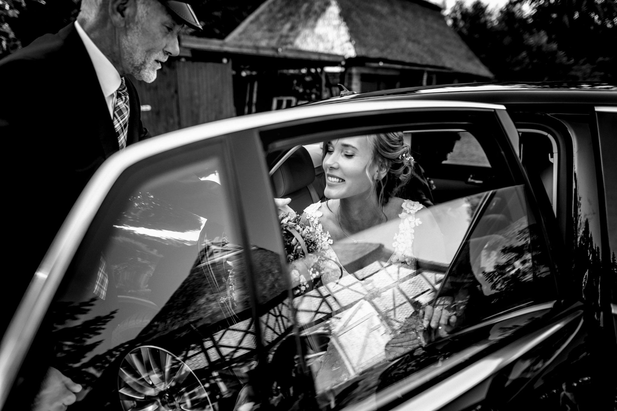 Sven Schomburg Hochzeitsfotografie, Hamburg, Mölln, Hochzeitsfieber by Photo-Schomburg, Hochzeitsreportage, Forsthaus Waldhusen, Braut, Bräutigam-57
