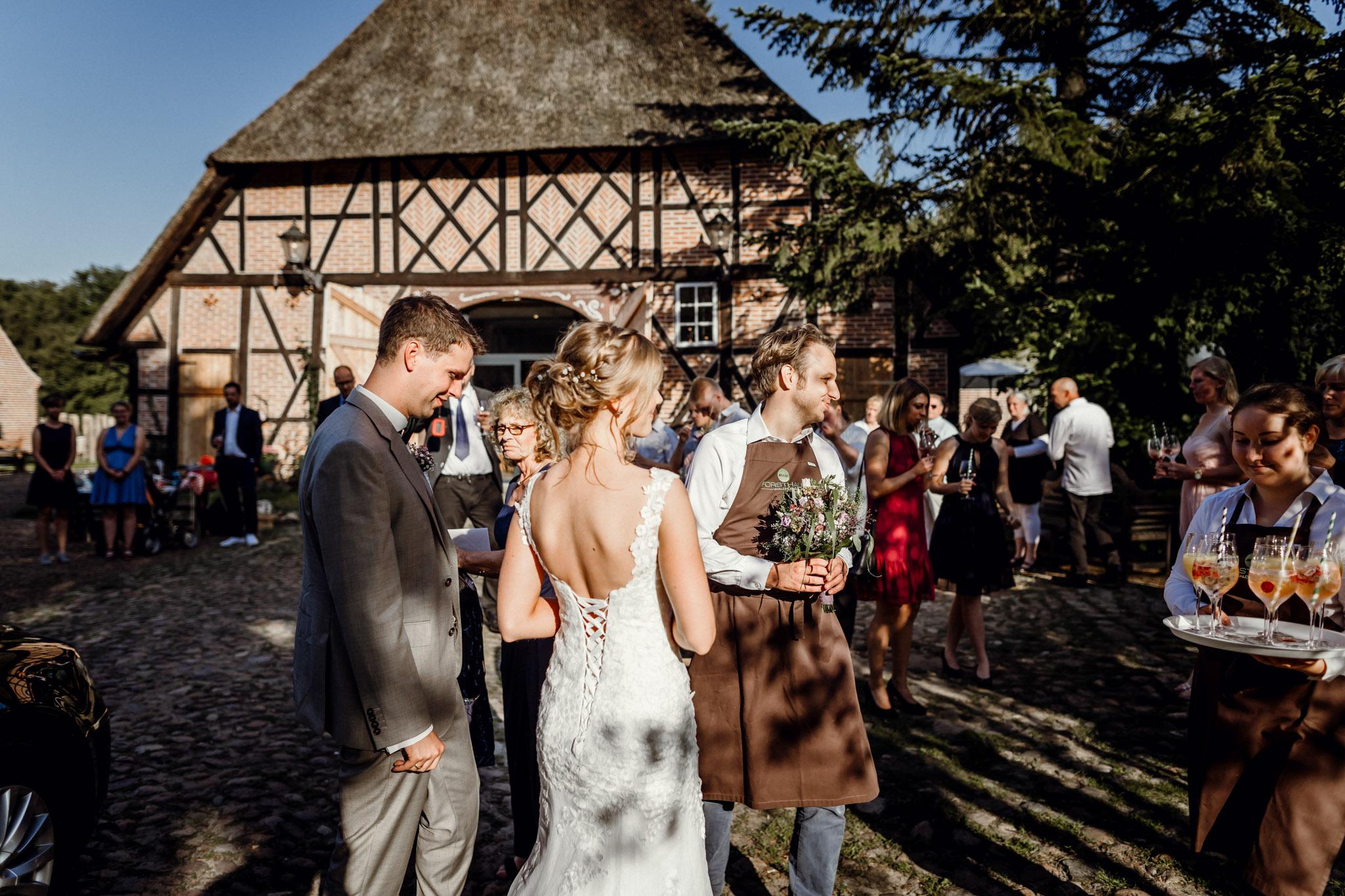 Sven Schomburg Hochzeitsfotografie, Hamburg, Mölln, Hochzeitsfieber by Photo-Schomburg, Hochzeitsreportage, Forsthaus Waldhusen, Braut, Bräutigam-60