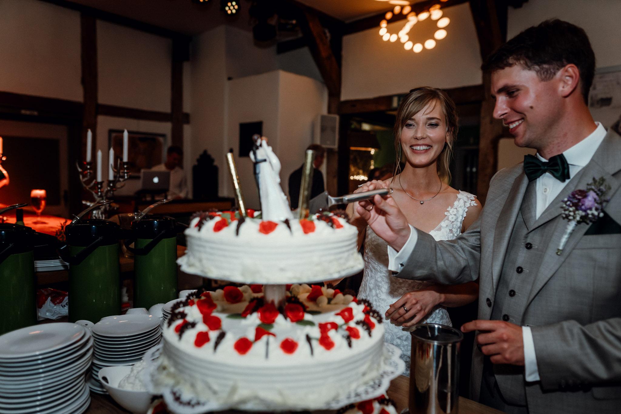 Sven Schomburg Hochzeitsfotografie, Hamburg, Mölln, Hochzeitsfieber by Photo-Schomburg, Hochzeitsreportage, Forsthaus Waldhusen, Braut, Bräutigam-86