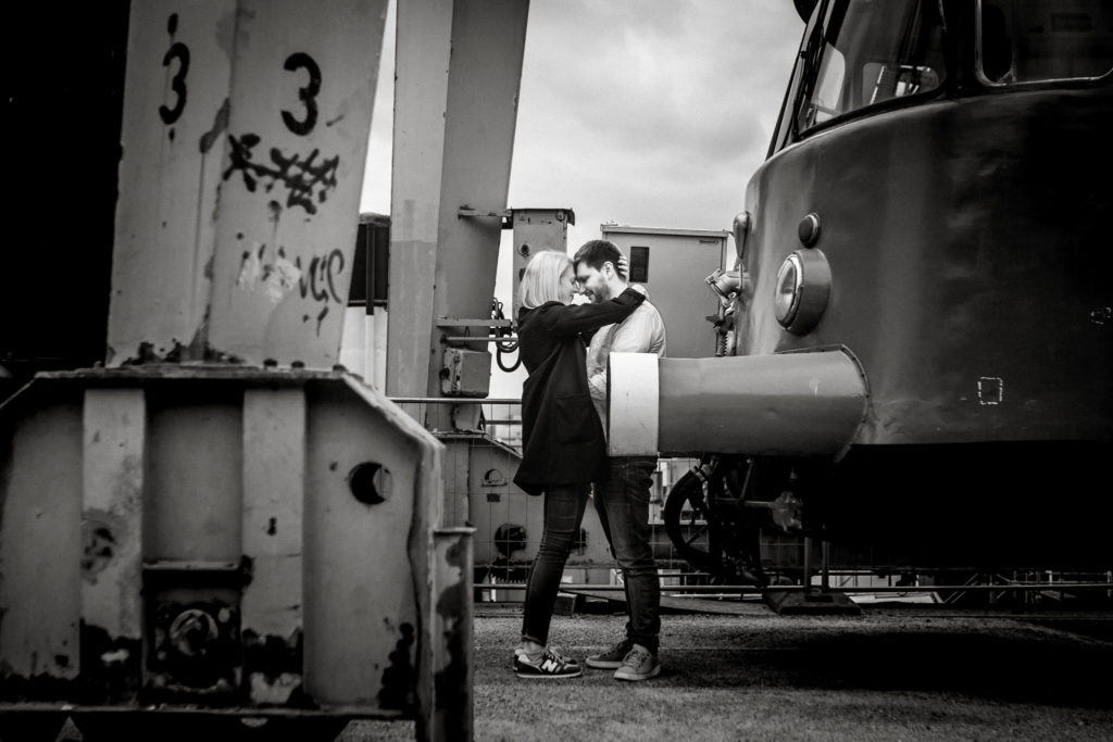 Hochzeitsfotograf, Sven Schomburg Hochzeitsfotografie, Coupleshooting, Brautpaar, Hochzeitspaar, Hamburg, Peking, Hafenmuseum Hamburg, Hochzeitstag, wahre Momente-1