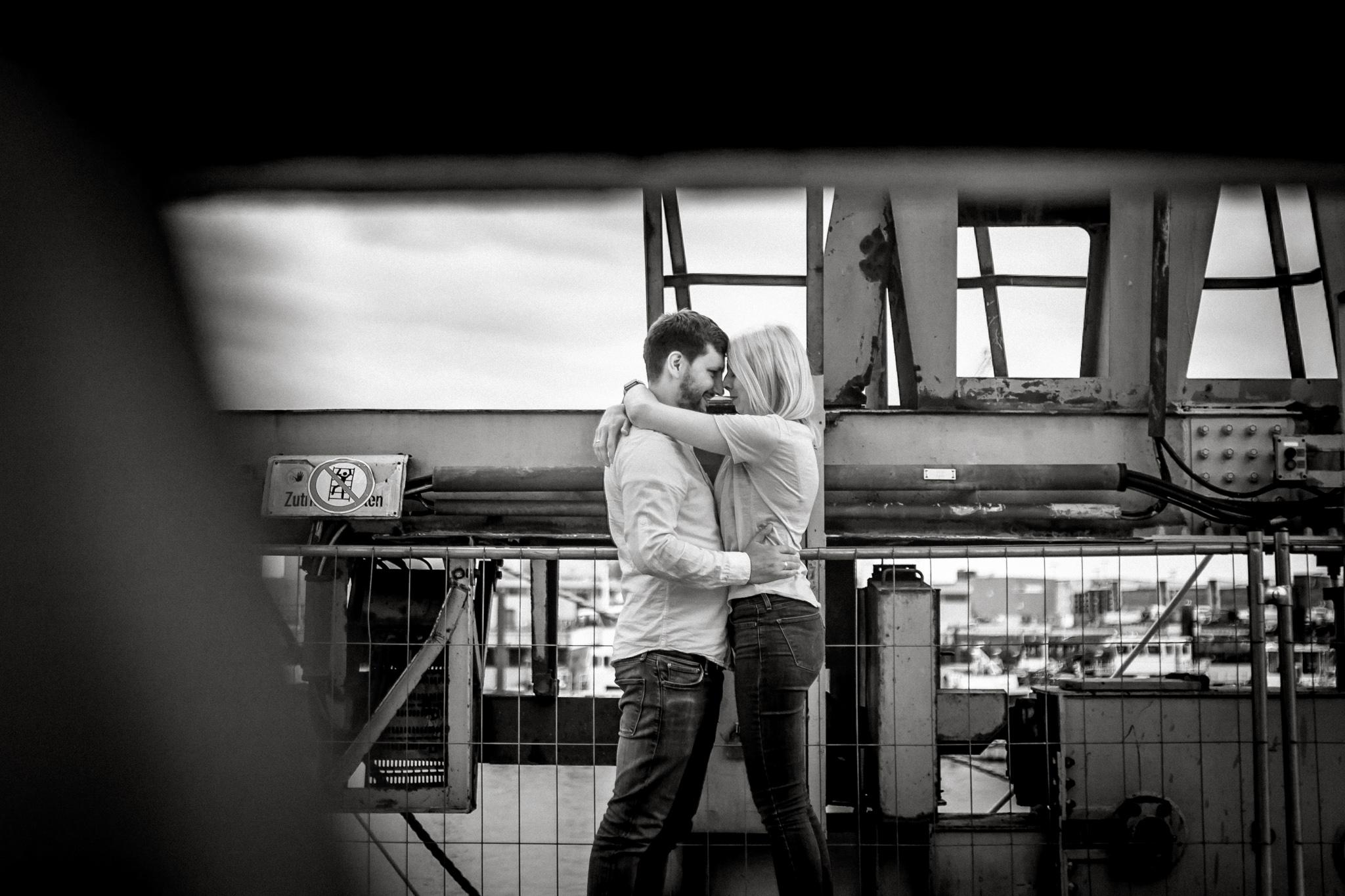 Hochzeitsfotograf, Sven Schomburg Hochzeitsfotografie, Coupleshooting, Brautpaar, Hochzeitspaar, Hamburg, Peking, Hafenmuseum Hamburg, Hochzeitstag, wahre Momente-12