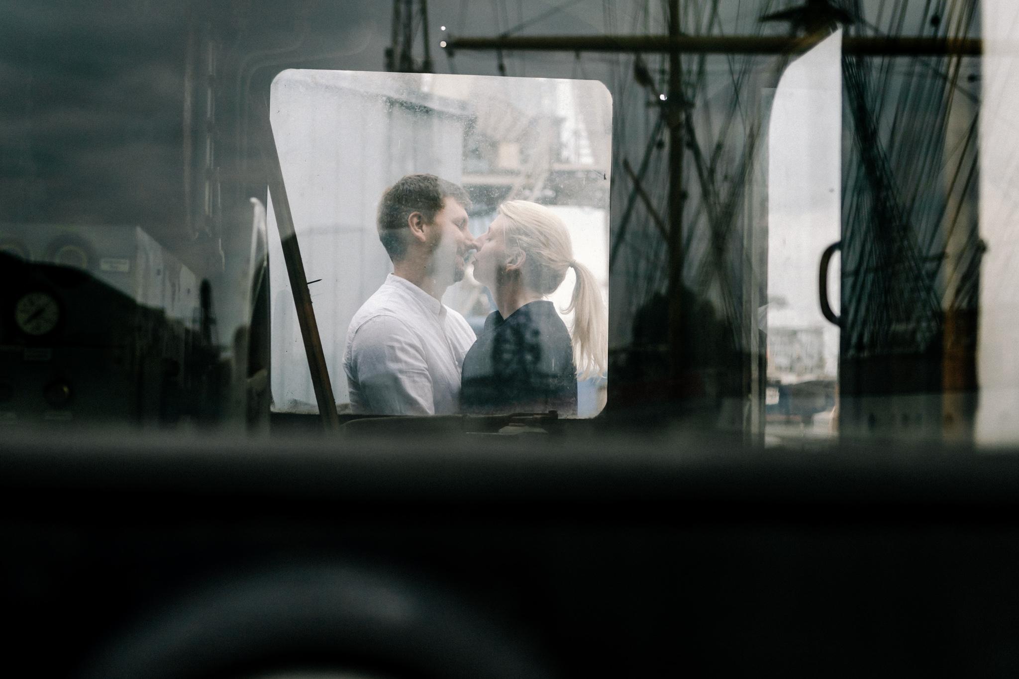 Hochzeitsfotograf, Sven Schomburg Hochzeitsfotografie, Coupleshooting, Brautpaar, Hochzeitspaar, Hamburg, Peking, Hafenmuseum Hamburg, Hochzeitstag, wahre Momente-21