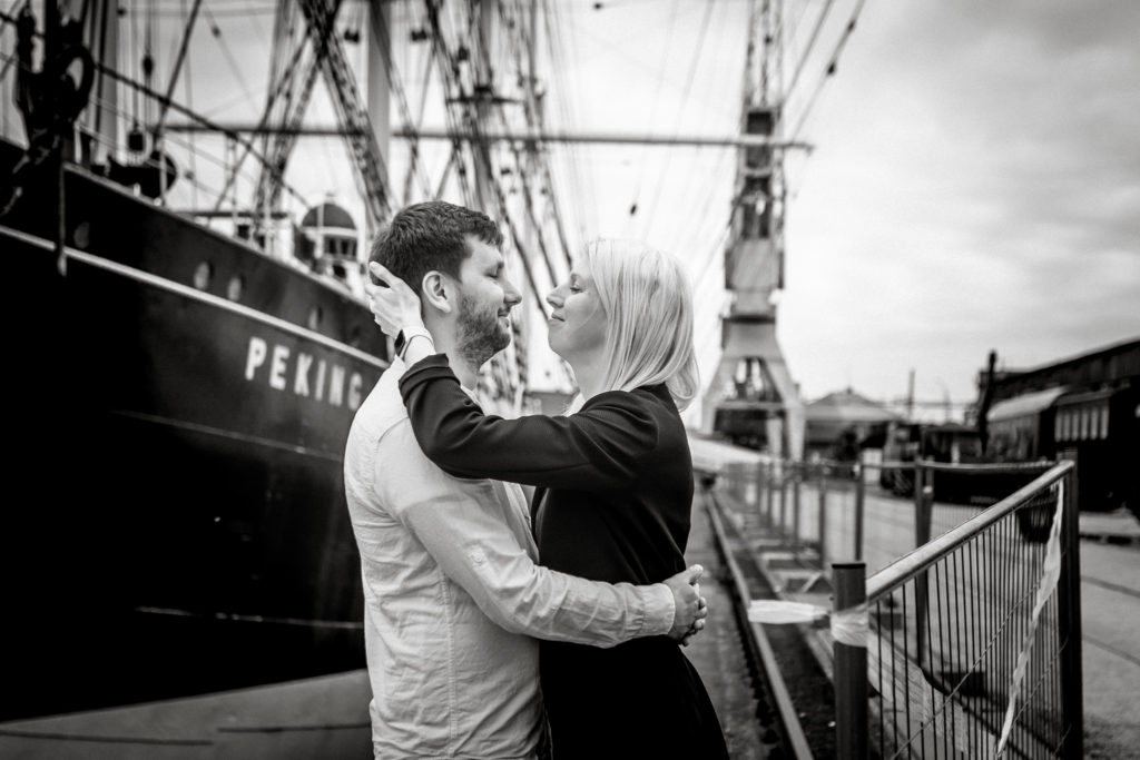 Hochzeitsfotograf, Sven Schomburg Hochzeitsfotografie, Coupleshooting, Brautpaar, Hochzeitspaar, Hamburg, Peking, Hafenmuseum Hamburg, Hochzeitstag, wahre Momente-23