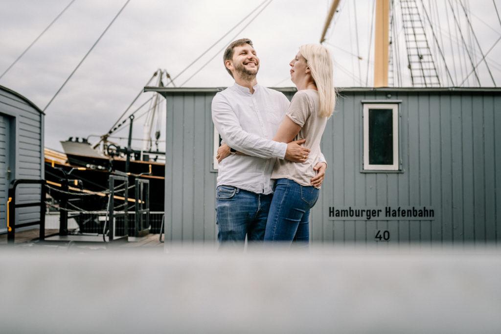 Hochzeitsfotograf, Sven Schomburg Hochzeitsfotografie, Coupleshooting, Brautpaar, Hochzeitspaar, Hamburg, Peking, Hafenmuseum Hamburg, Hochzeitstag, wahre Momente-43