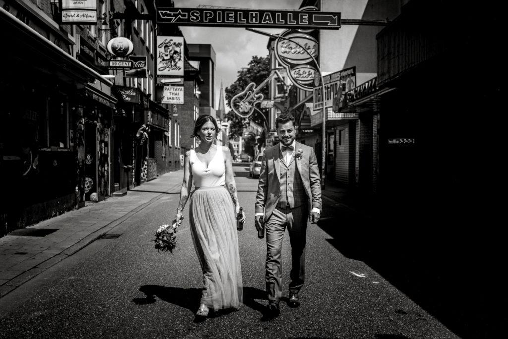 Sven Schomburg Hochzeitsfotografie, Wedding, Brautpaar, Braut, Bräutigam, Röperhof, Hamburg, wahre Momente, Hochzeit in Hamburg-31